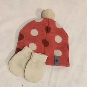 Smartwool hat and mittens 6-9M